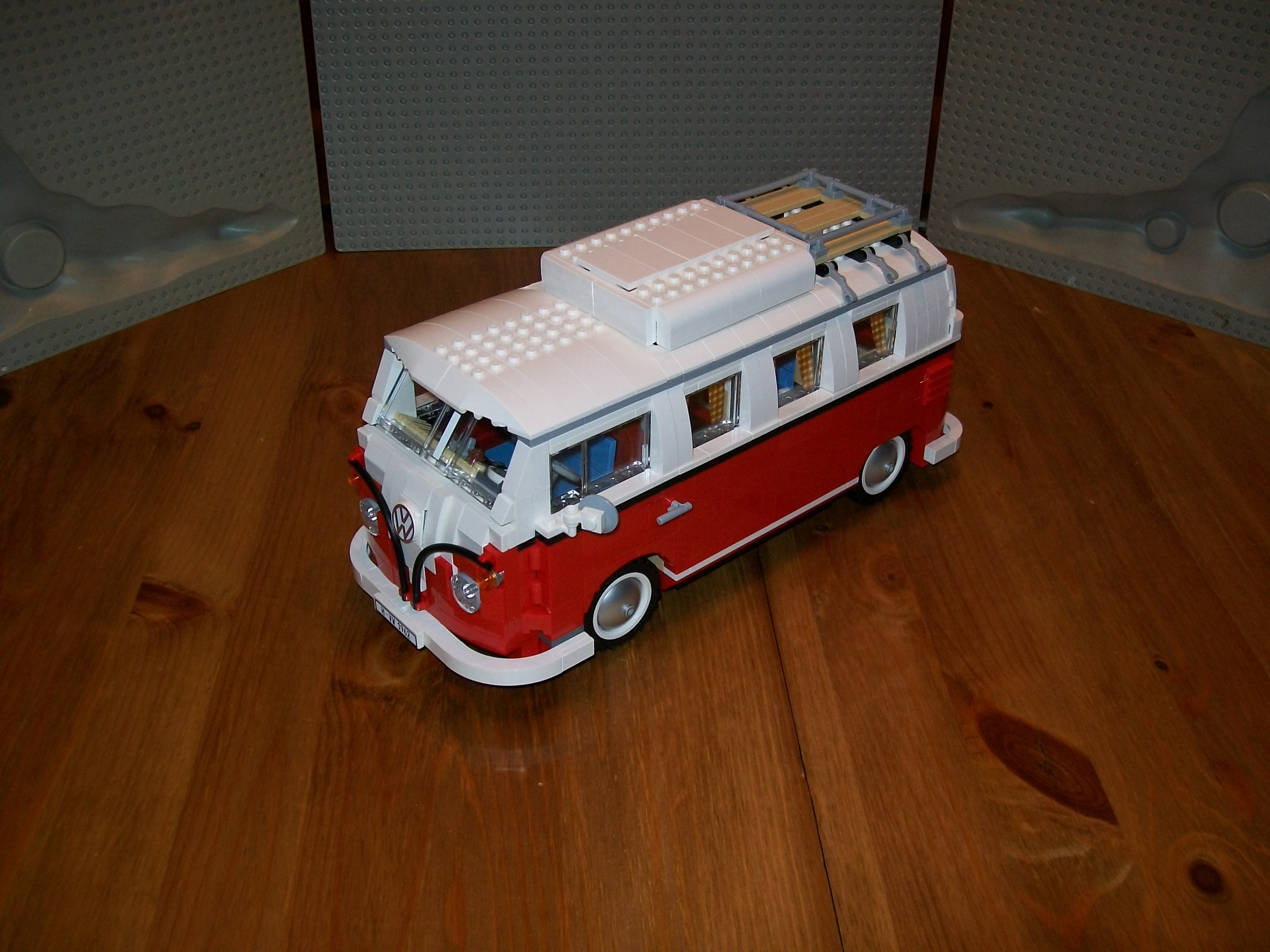 lego 10220 le camping car volkswagen t1 partie 2 lego r by alkinoos. Black Bedroom Furniture Sets. Home Design Ideas